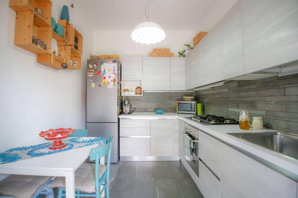 La cucina di una casa a francavilla al mare via bachelet