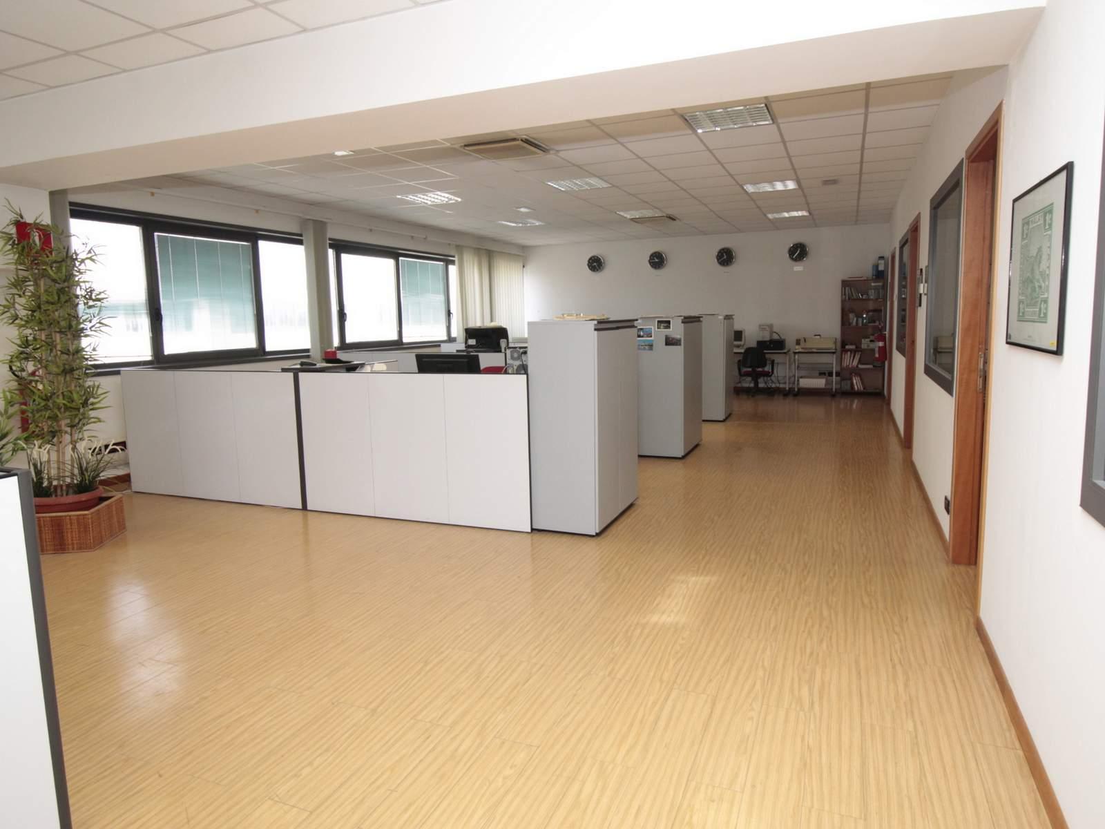 open space dell'ufficio in vendita a chieti scalo